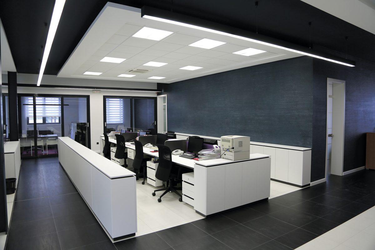 Как оформить освещение в своей частной компании?